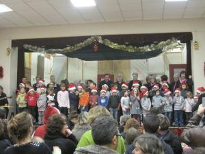 """Chorale """"Chantereine"""" avec les enfants de l'école de Bossay"""